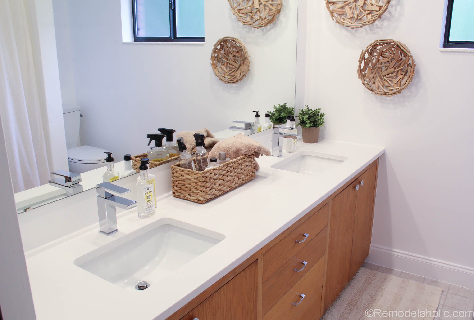 Symmons-Faucet-Bathroom-Remodel-2-of-12